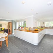 4 Reasons Porcelain Floor Tiles Are Great for Your Kitchen